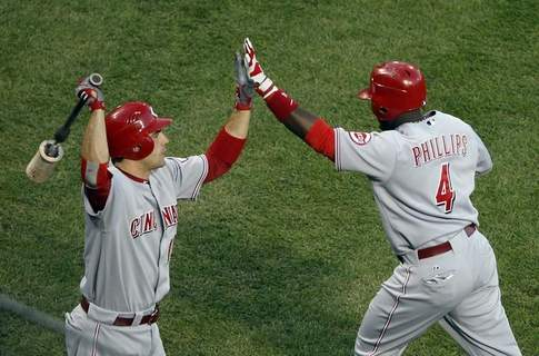 Phillips' HR, Votto (08OCT10).jpg
